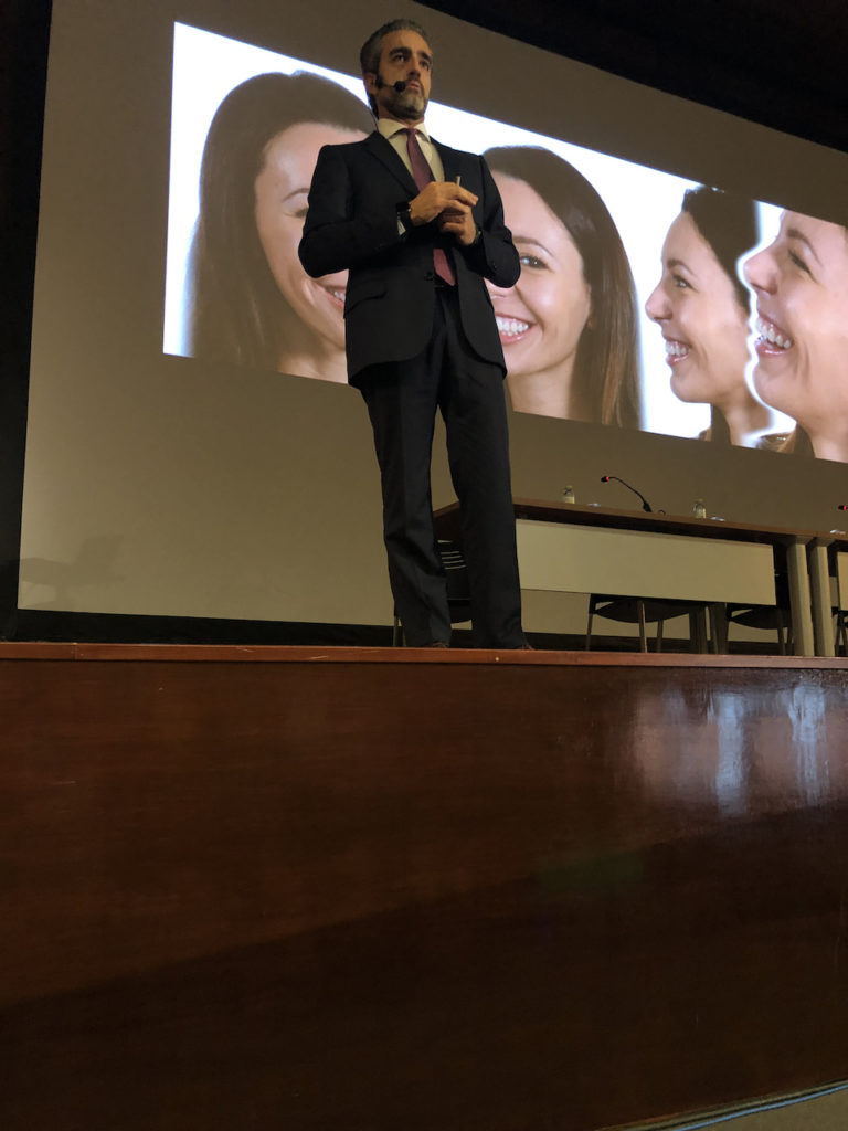 Andrea sul palco